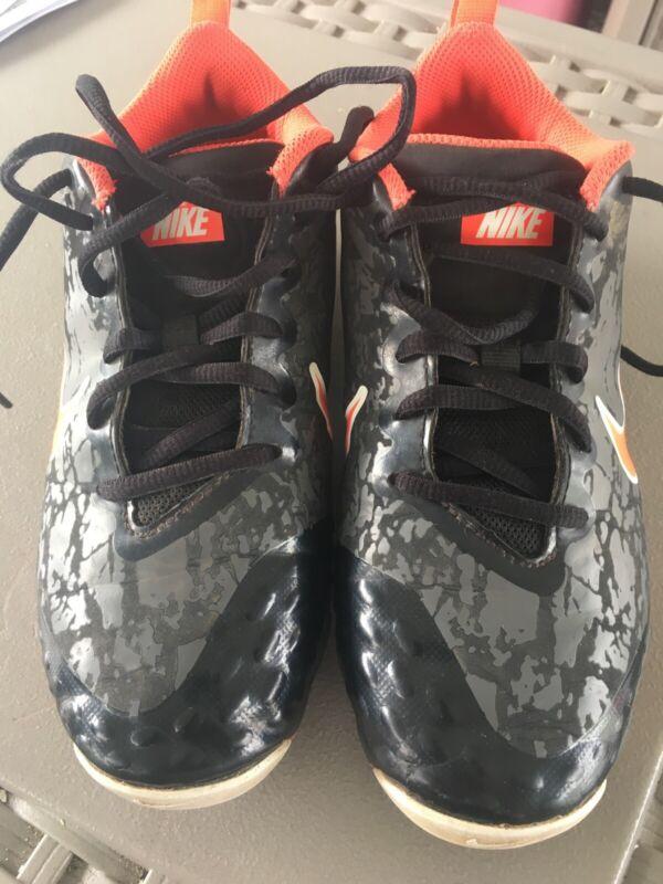 Nike  Boys, Size 3.5Y Youth, Baseball Cleats- USED