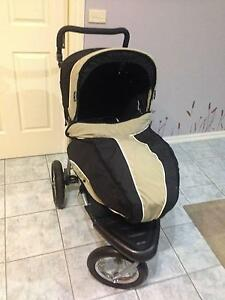 Single strong Pram with accessories Hallam Casey Area Preview