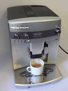 Delonghi Magnifica 2-cup Automatic Coffee machine w/grinder EUC Lilyfield Leichhardt Area Preview