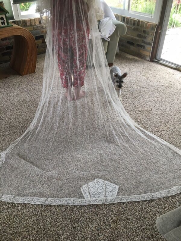Vintage Wedding Veil Ivory 1940's with Lace
