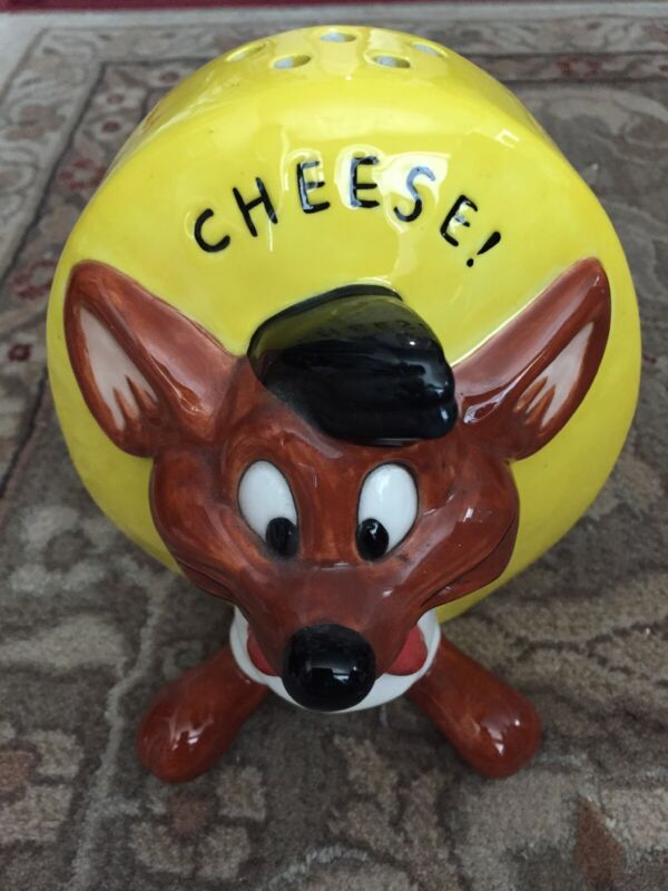 Warner Brothers 1995 Speedy Gonzales Cheese Shaker WB w/ Rubber Plug Nice Shape