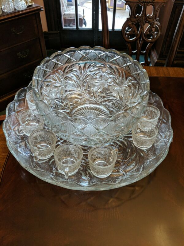LE Smith Punch Bowl Set Holiday Pattern 14 Piece Pressed Glass