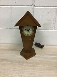 Rustic Wooden Bird House shaped Alarm Clock B111