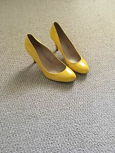 Marc Fisher patent heels - size 6