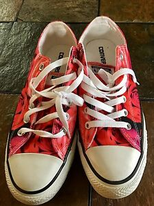 Woman's Converse runners