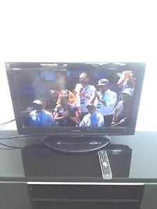 REGZA TOSHIBA 32 inti TV only $100 with remote control Flemington Melbourne City Preview