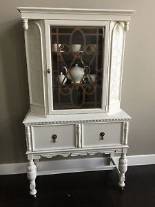 Antique furniture kijiji free classifieds in calgary for A z kitchen cabinets ltd calgary