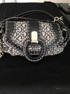 Handbag Guess Waterford South Perth Area Preview