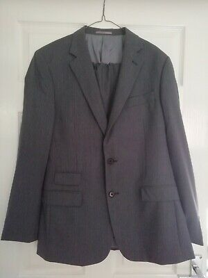 MENS KENNETH COLE GREY PINSTRIPE SUIT JACKET 40R TROUSERS 32R GOOD CONDITION
