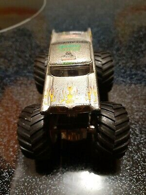 Metal Base Chrome Avenger Hot Wheels Monster Jam 1:64 Truck
