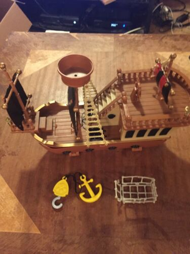 DISNEY MICKEY MOUSE PIRATE SHIP TOY DELUXE PLAY SET- AS SEEN
