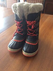 Sorel winter boots size 3 (boys/girls)
