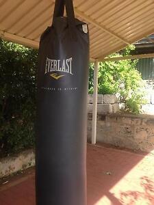 Everlast boxing bag Duncraig Joondalup Area Preview