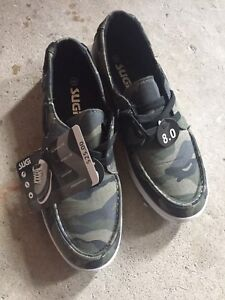 Men's Casual shoes - BNWT - Size 8