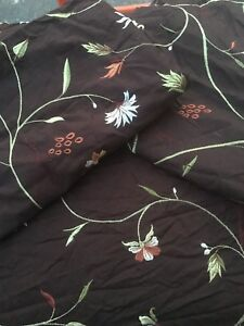 Queen sized duvet cover with shams