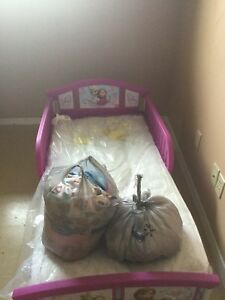 Toddler bed with mattress n sheets