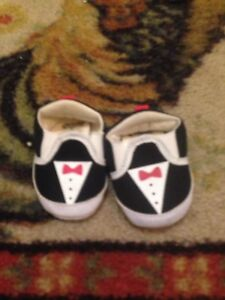 All for 5 bucks ( baby shoes )