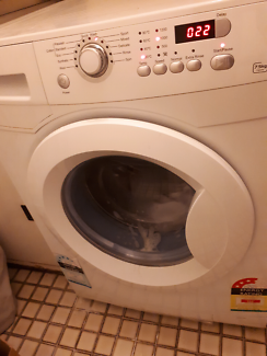 Wash Machine 7.5kg! Moving out sale