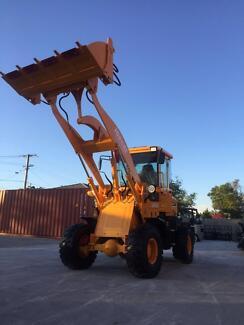 NEW JOBCAT SM58 58HP 5.2 Tonnes Buckte 4 in 1+Forklift