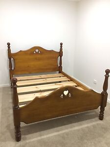 Wooden Queen size bed Richmond Hawkesbury Area Preview