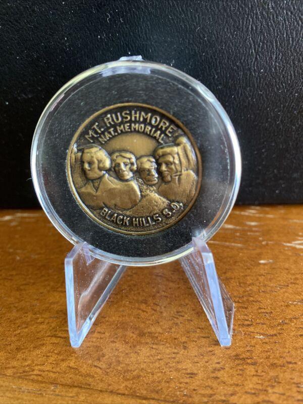 Mt. Rushmore, National Memorial, Black Hills, South Dakota Coin