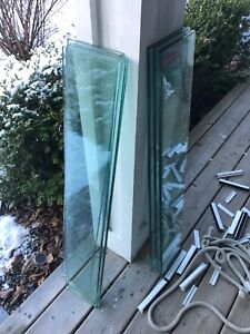 Peak tempered glass railing