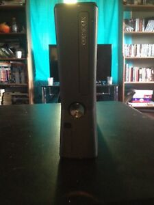 Xbox360 700gb hard drive  6games + HDMI and Controller