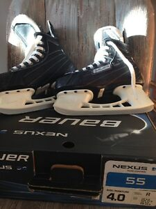 Bauer youth skates size 4
