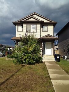 Available immediately!! Beautiful 3 bedroom  home!