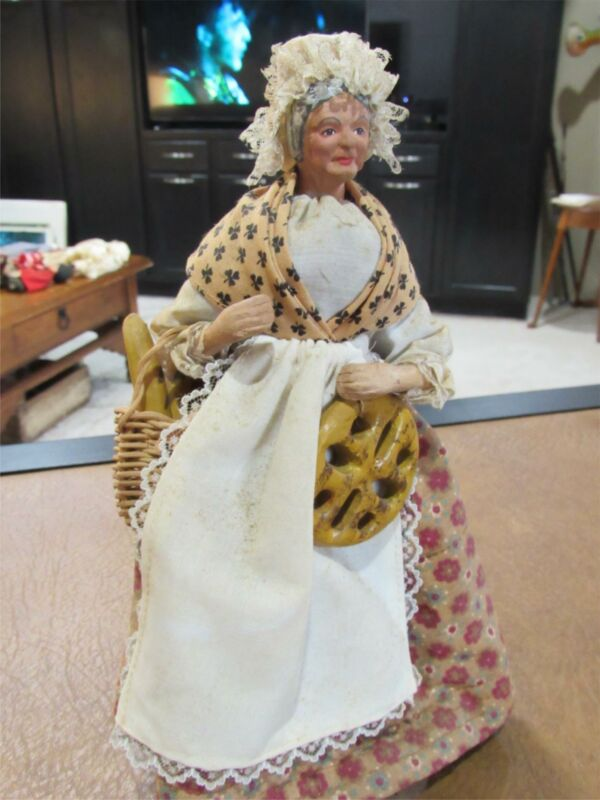 """Vintage French SANTONS de PROVENCE 10"""" Doll   Old Lady Baker with Bread"""