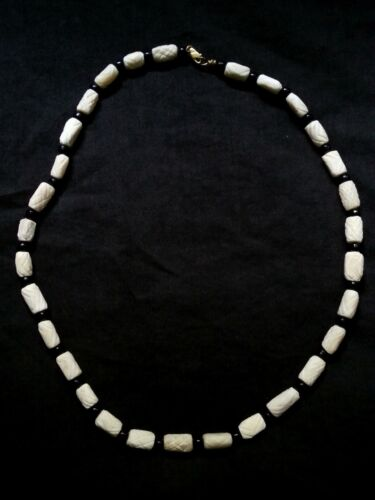 Vintage Chinese hand carved white cinnabar & 14k gold necklace