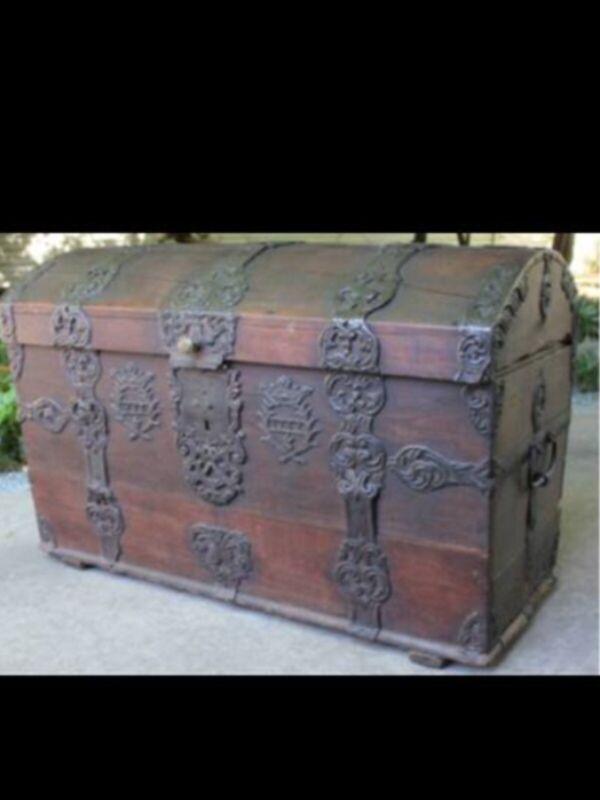Antique Sea Captains Chest,18th Century,Domed Top Trunk,Coffer,Antiques Roadshow