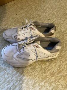 Women golf shoe