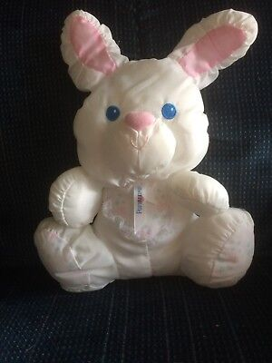 Vintage 1994 FISHER PRICE BABY BUNNY PUFFALUMP W/BUILT IN RATTLE