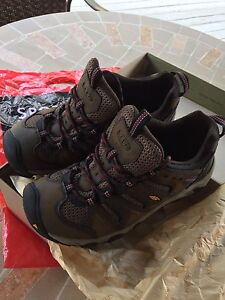"""Men's """"KEEN"""" Shoes-NEW!!-paid $169.99"""
