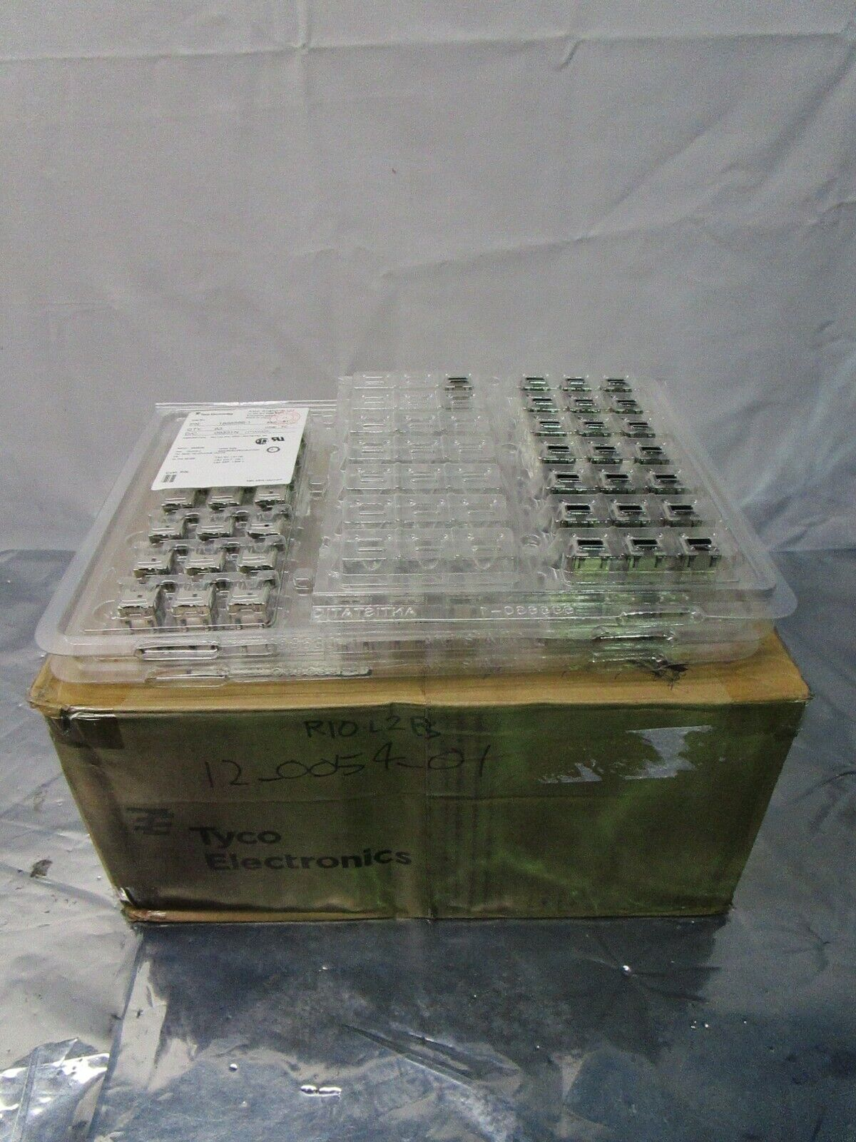 1 Lot of 148 TE Connectivity 1888566-1 INVERTED MODULAR JACK ASSEMBLY, 102501