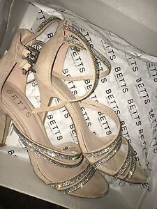 BETTS size 7 nude/sparkle heels Hawthorne Brisbane South East Preview