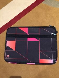 Hurley MacBook/Laptop case in NEW CONDITION