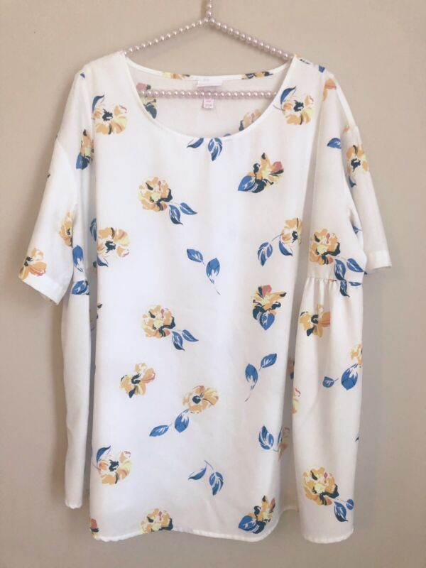 Isabel Maternity Size XXL White Floral Top Short Sleeve Stretch