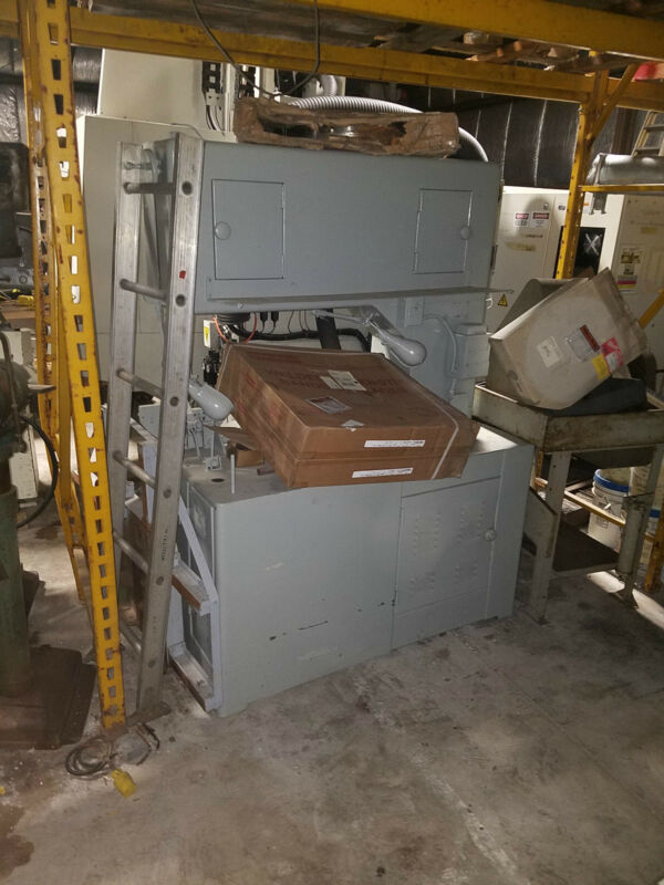 "36"" Grob Vertical Band Saw #NS-36 w/Blade Welder, Power feed & Contouring Table"