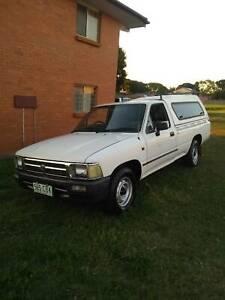 1993 Toyota Hilux Diesel Manual Ute For Sale OR Swap.