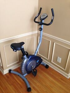 Stationary exercise bike, digital display, comfy seat