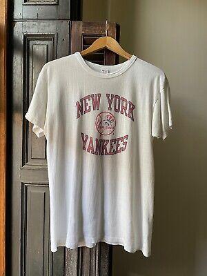 80s Tops, Shirts, T-shirts, Blouse   90s T-shirts VINTAGE 1980s MLB NEW YORK YANKEES ⚾️ CHAMPION WHITE GRAPHIC T-SHIRT (L) $89.99 AT vintagedancer.com