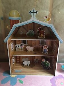 Wooden Toy Barn and Animals
