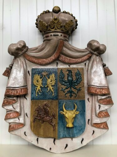 SALE ! Exceptional Large Terracotta Coat of Arms / Clay Family Weapon