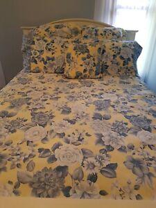 Sheridan Lemon & Blue Roses Queen Size Quilt Cover Set