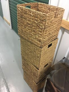 2x Storage Containers