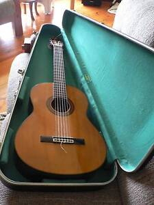 YAMAHA G-225 CLASSICAL GUITAR & CASE Ridgehaven Tea Tree Gully Area Preview