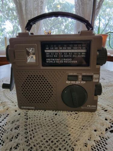 Grundig FR-200 Emergency Radio Am FM Sw1 Sw2 Crank Generator or Battery !