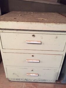 OLD heavy SOLID chest of drawers. I can deliver